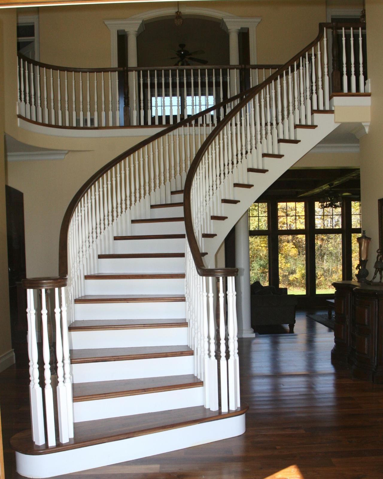 Bennett stair company inc curved stairs for Curved stair case